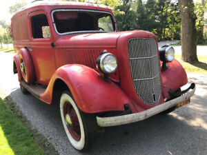 1935 Ford V-8 Panel Delivery Truck