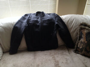MOTORCYCLE LEATHER JACKET-NEW CONDITION-(L)