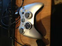 Xbox 360 Grey Controller + Chargeable kit