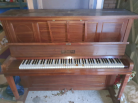 Piano for free, collection in Pencaitland