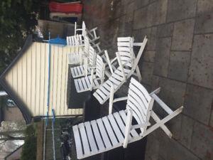 10$ là chaises doit être vendu ensemble 4 chaises patio en pvc