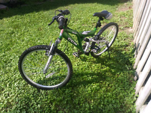 Small Mountain Bike for ages 9-15