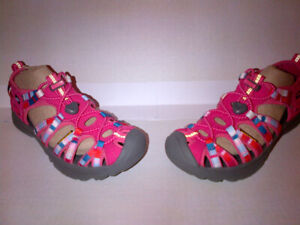 New Boxed KEEN Big Kids'/Youth Whispers in Youth Size 3 US