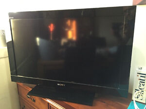 Sony Bravia 32inch Flat screen (For Parts or Repair)