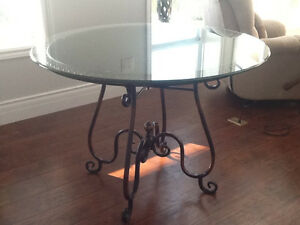 SOLD.        Charming bistro table and two chairs Belleville Belleville Area image 1