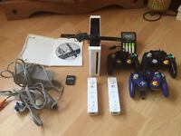 Wii and Ssbb game bundle