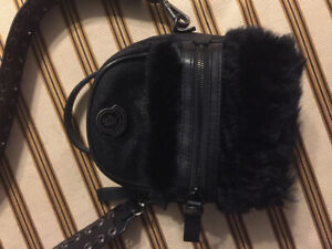 Moncler new authentic cross body bag only 300$