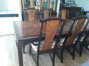 Dinning table with 6 chairs and buffet