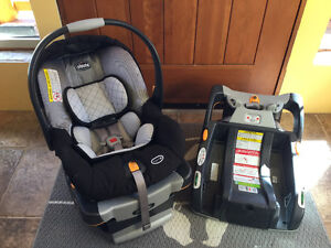 Chicco Key Fit 30 Infant Car Seat with 2 Bases