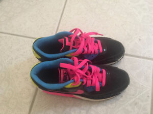 Youth Nike Air Max Shoes Size 5
