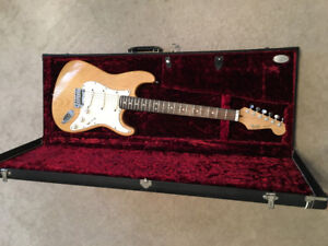 1989 strat plus deluxe ash body rosewood on maple neck