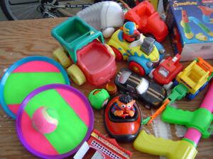 lot de jouets 3 photos