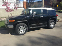 2007 Toyota FJ Cruiser silver and black SUV, Crossover