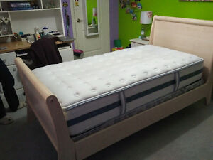 Kid's bed (White Wash Sleigh) and nightstand
