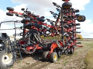 ONLINE AUCTION - Bourgault 3320 QDA Seed Drill 66ft