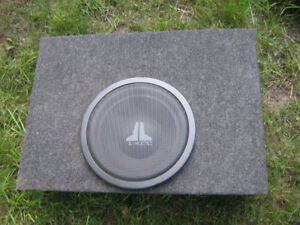 "Subwoofer 10"" JL Audio with speaker box"
