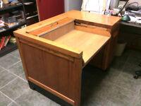 Typewriter desk legal size drawer.bureau pour machine a ecrire