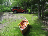 Coleman Canoe 15ft (4.6 M) great condition with PFDs & Paddles