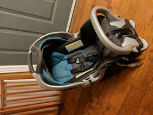 Baby Trend Expedition CLX Car Seat and Car Seat Base