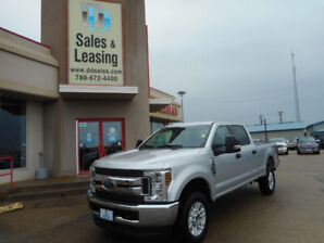 2018 Ford F250 Crewcab 6.2L V8 XLT 4x4 with 30,378km for $43,987
