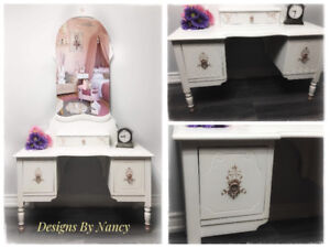 Charming Child's Antique Solid Wood Vanity! ♀️