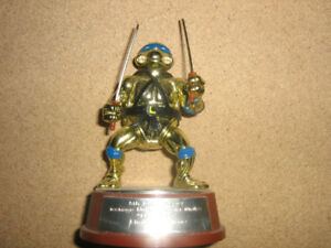TEENAGE MUTANT NINJA TURTLES 5TH ANNIVERSARY GOLD LEONARDO