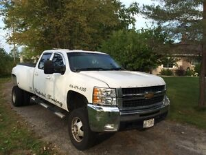 2010 Chevrolet Tow Truck, Fully Loaded - $30,000 or best offer