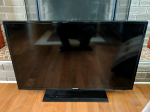 """Samsung 40"""" LED TV (not working)"""