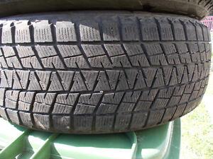 p235/55/19 inch Bridgestone Winter Tire / LOTS OF TREAD
