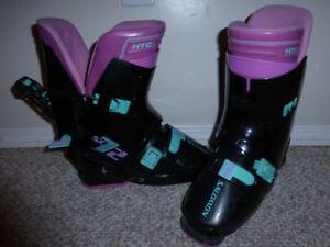 9-9.5 ladies (USA size) Salomon ski boots