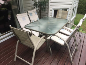 FREE - Patio dining set for 6.
