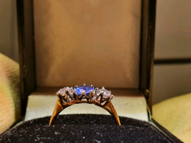 Vintage 18ct Gold 2ct Sapphire And Diamond Ring .