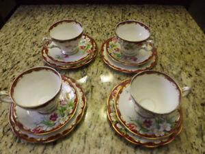 Tres belles tasses et soucoupes et assiette à dessert  - teacups