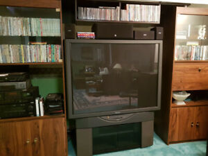 """55"""" SONY  PROJECTION TV FOR FREE"""