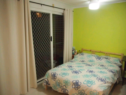 Master Bedroom with Ensuite Bathroom St Lucia near UQ