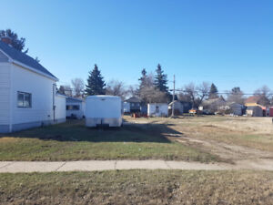 Serviced, Vacant City Lot in Weyburn, SK