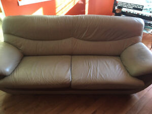 sofa/couche for sale