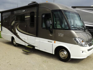 2016 Winnebago Via 25P - Mercedes Benz Diesel Class A