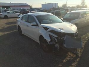 Parting out 2013 Nissan Altima hit front