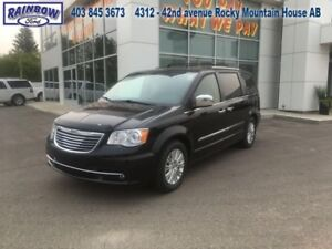 2013 Chrysler Town  Country Limited  - Leather Seats