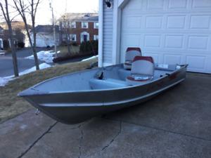 12.6 aluminum boat/motor/trailer