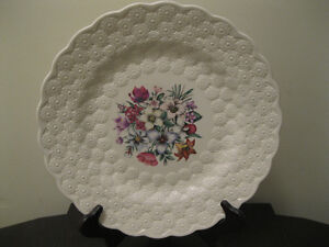 "OUTSTANDING Spode English Canadian Provincial Flowers 13 "" Plate"