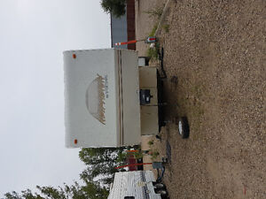 1996 New Vision 28 foot fifth wheel