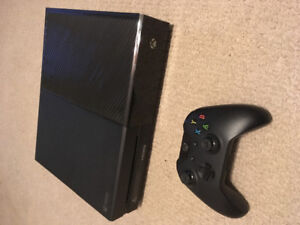 Selling Xbox One 1TB or trading for PS4 Pro