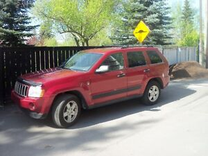 2006 Jeep Grand Cherokee loaded cloth 4.7 L SUV,