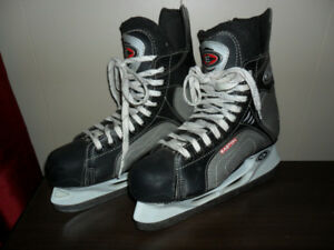 Mens / Teen Boys EASTON Synergy Ice Hockey Skates - Size 7