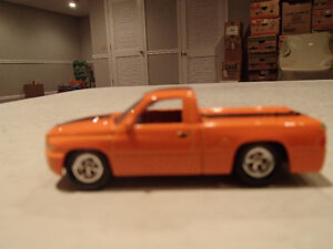 Loose Orange 1999 '99 DODGE RAM SST by JOHNNY LIGHTNING Sarnia Sarnia Area image 3