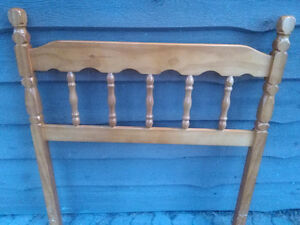 Beautiful solid wooden spindle single bed headboard