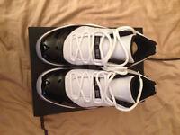"Selling Jordan Retro 11 ""Concord"" lows Size 11.5"