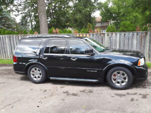 Lincoln navigator  black on black beauty